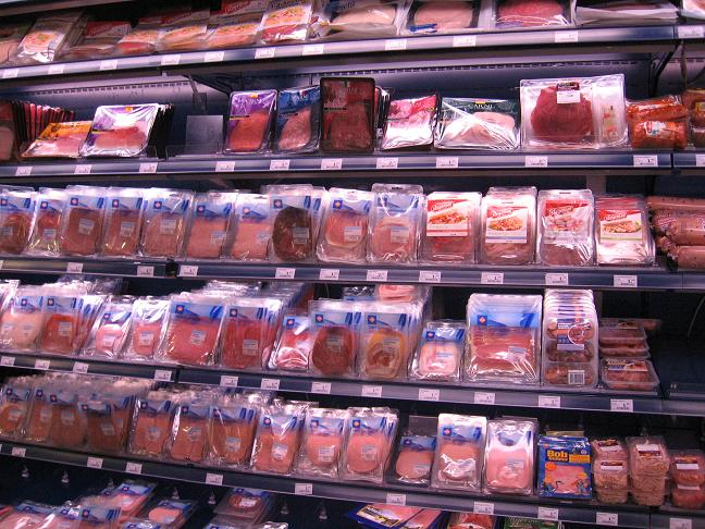 Grocery store-lunch meats