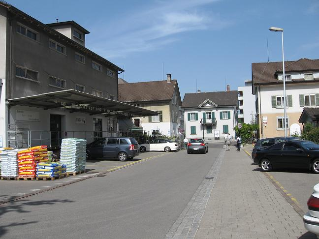 street in Uster; nursery on left